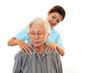 笑顔の高齢者と介護士