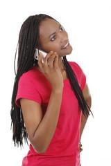 Hübsche Afrikanerin telefoniert