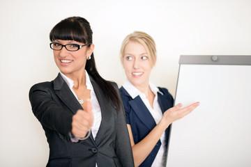Attraktive Geschäftsfrauen