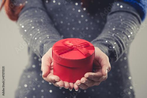 Leinwandbild Motiv Weihnachtliches Geschenk