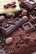 cioccolato fondente  al latte e bianco con nocciole e caffe