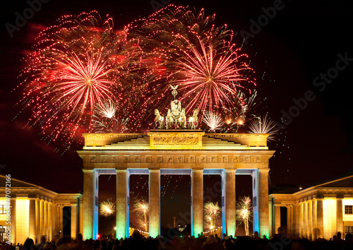 Fotobehang Berlijn Berlin, Brandenburger Tor, Feuerwerk, Silvester