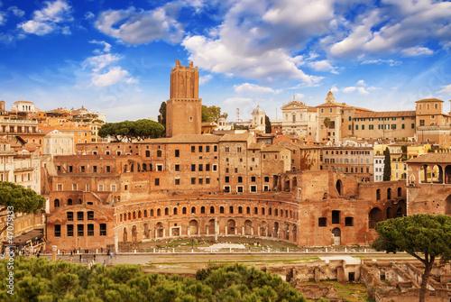 starozytne-ruiny-imperial-forum-w-rzymie-via-dei-fori