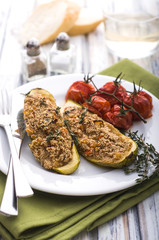 Stuffed zuccini with amaranth and vegetables