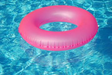 Schwinnreifen Schwimmhilfe rosa pink swimmingpool