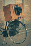 Fototapeta stary - bagaż - Rower