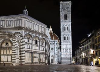 Plaza del Duomo despues de la lluvia (Florencia,Italia)
