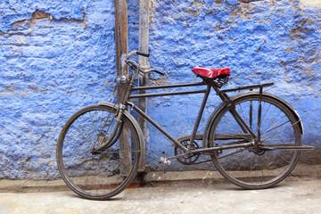 Bicycle in brahmin blue city of Jodhpur, Rajastan