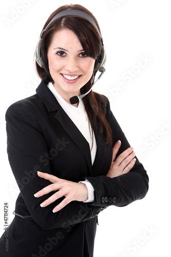 Junge Büro Frau mit Headset hört freundlich zu