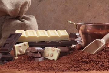 cioccolato e cacao composizione su tavolo