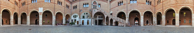 Verona, cortile mercato vecchio a 360 gradi