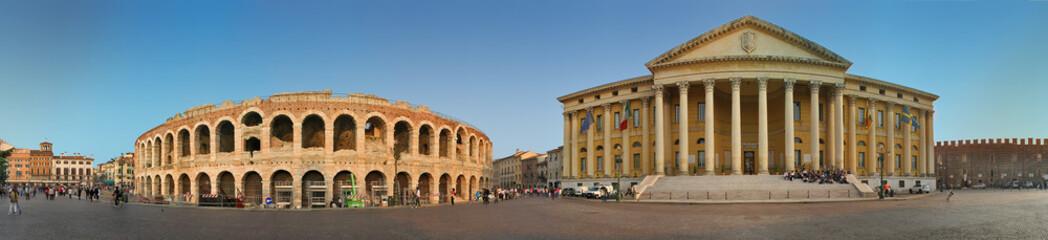Verona, Piazza Brà con Arena e municipio