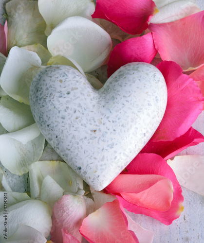 White marple heart with rose petals