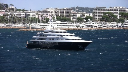 Luxury private cruise leaving Cannes