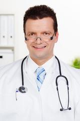 zufriedener doktor