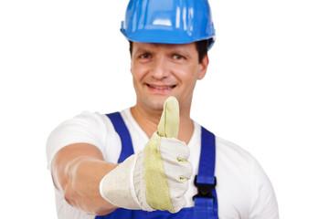 bauarbeiter mit blauen helm daumen hoch