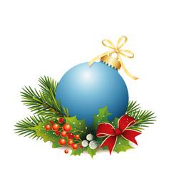 Blaue Weihnachtskugel mit Tannenzweige