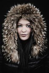 Frau in Winterjacke