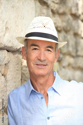 Elderly man with hat