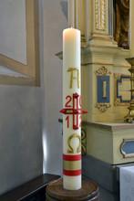Cierge pascal - Bougie - baptême - dans l'église