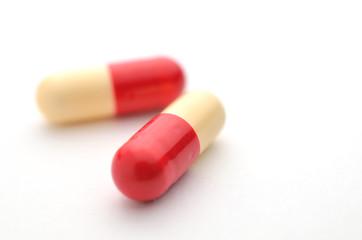 薬 カプセル 2錠