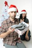 Unglücklich übers Weihnachtsgeschenk