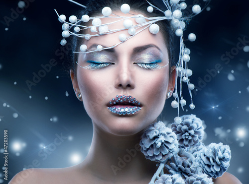 Winter Beauty Woman. Christmas Girl Makeup
