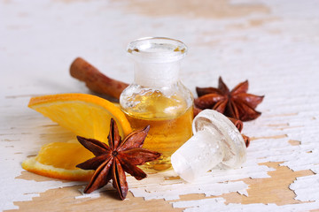 Würziges Duftöl mit Orange, Zimt und Anis
