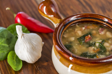 Tuscan white bean soup with ingredients