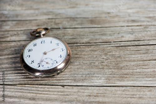 Leinwanddruck Bild Old pocket watch - Alte Taschenuhr