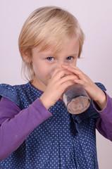 durstiges kind