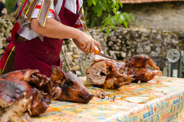 Méchoui, Cochon grillé, découpe