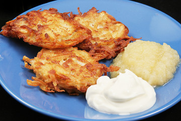 Traditional Chanukah Potato Latkes
