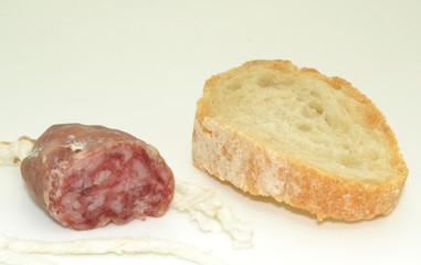Embutido y pan
