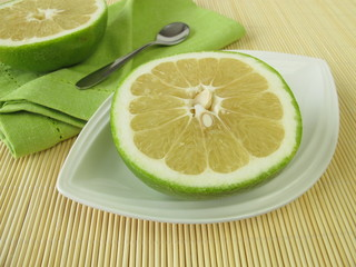 Obstmahlzeit mit Sweetie Pampelmuse