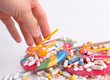 Tablettenmißbrauch: Tabletten unmäßig konsumieren