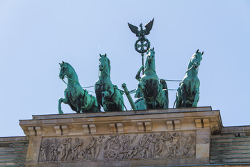 The Brandenburger Tor (Brandenburg Gate) is the ancient gateway