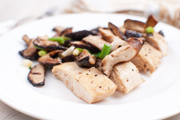 Marsala chicken and sliced mushrooms