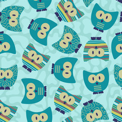 Cute seamless pattern wtih funny owls