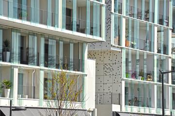 Lyon Confluence, balcones creativos, cristales