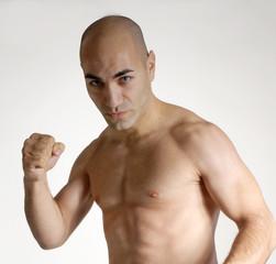 Hombre fuerte,luchador,peleador.
