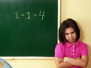 Niña castigada en una escuela,niños matemáticas, error