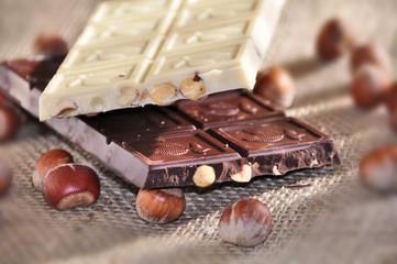barrette di cioccolato con nocciole