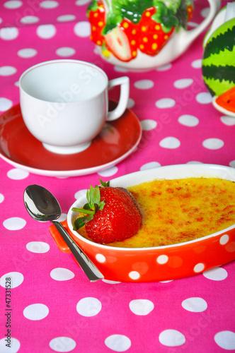 creamy mango creme brûlée