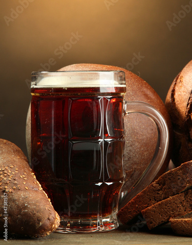 tankard of kvass and rye breads,
