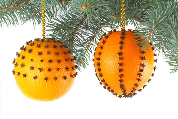 Christmas decorations made from fresh oranges