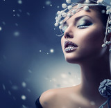Fototapety Winter Beauty Woman. Christmas Girl Makeup