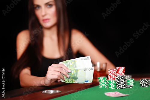 Hübsche Frau im Casino