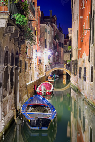 Venice at night - 47416982