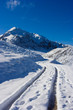 Strada innevata verso il monte Mondolè